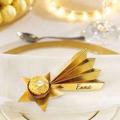 Mit dieser Ferrero Rocher Sternschnuppe bringen Sie jede Festtagstafel zum Erstrahlen. Vorlage herunterladen und ausdrucken