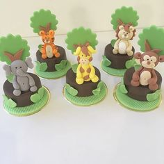 Pães de mel fofíssimos  #festasafari #safariparty #festademenino #docessafari Safari Birthday Cakes, Jungle Theme Birthday, Safari Cakes, Safari Theme Party, 75th Birthday, Birthday Cookies, Birthday Party Themes, Shabby Chic Cookies, Cookie Recipes For Kids