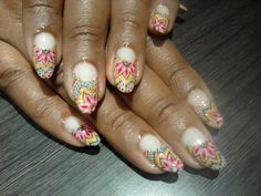 One of the prettiest nail art designs I've seen in a while.