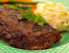 Recipe for Prairie Style Tri-Tip Steak. Bottom Sirloin Tri-Tip is a flavourful beef cut that has long been popular with Canadian restaurants and Americans. Tri Tip Steak Recipes, Beef Tri Tip, Sirloin Steak Recipes, Beef Tenderloin Recipes, Sirloin Steaks, Barbecue Recipes, Grilling Recipes, Beef Recipes, Rub Recipes