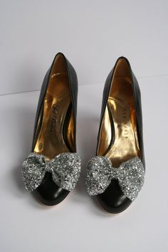 Pair of Silver glitter bow shoe clips silver by LexyLuxDesign