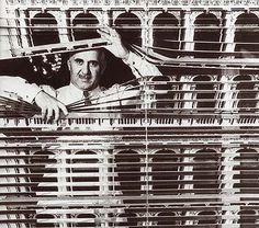 PIERO FORNASETTI. Arte y diseño.  Es uno de los creadores italianos más originales y prolíficos del s. XX.
