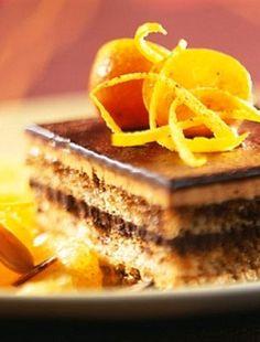 A hungarian iconic cake : Illatos zserbó Romanian Food, Tiramisu, Seitan, Waffles, Frappe, Cheesecake, Food And Drink, Cooking Recipes, Yummy Food