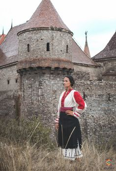Portul padurenilor – Etnotique Romania, Beautiful People, Costumes, Country, Fun, Dress Up Clothes, Rural Area, Fancy Dress, Costume