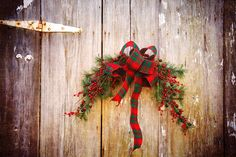 Christmas wreath on old shed  Image by Pams Photography