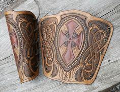 test-bracer by *Sharpener on deviantART Leather Bracers, Leather Cuffs, Leather Tooling, Leather Pouch, Leather Bags, Leather Accessories, Leather Jewelry, Larp Armor, Leather Carving