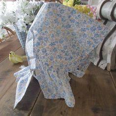 Vintage 1920-1930s Blue Floral Feedsack Country Farmhouse Sun Bonnet Feed Sacks, Antique Clothing, Country Farmhouse, 1930s, Sun, Antiques, Floral, Vintage, Antiquities