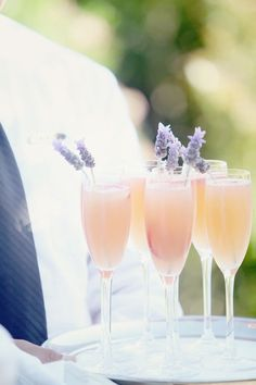 Toasting to the long weekend with these stunning lavender cocktails!