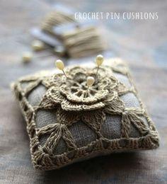 Sunday Visual Diary #03-Crochet Pin Cushions
