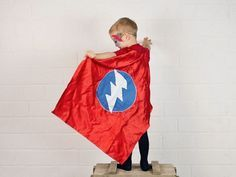 Tutoriel DIY: Coudre une cape de super-héros via DaWanda.com