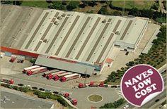 Nave logística en venta y alquiler, de 6.283 m², en Parets del Vallès, Barcelona -Vestuarios, aseos, duchas -Inst. contraincendios -8 muelles -Entrada tráiler -Patios con parking -Oficinas acondicionadas -Disponibilidad inmediata -Disponible a precio reducido -Más información: http://www.naves-industriales.biz/2013/03/05/nave-logistica-low-cost-en-venta-y-alquiler-en-parets-del-valles-barcelona Estrada & Partners (+34) 932151650 http://www.estradapartners.com barcelona@estradapartners.com