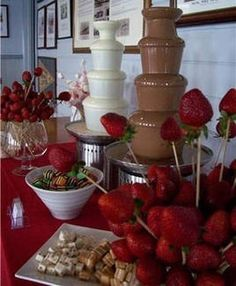 chocolate fountain foods Yes babe that's a white chocolate fountain I just know we're Gunna have . Yes babe that's a white chocolate fountain I just k Chocolate Fountain Wedding, Chocolate Fountain Recipes, Chocolate Fountains, Fuente De Chocolate Ideas, Dessert Bars, Dessert Table, Chocolates, Fondue Party, Candy Buffet
