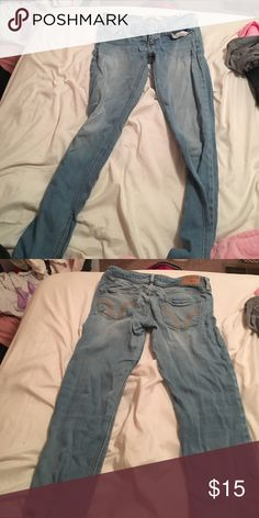 Hollister light wash jeans Worn a handful of times Hollister Jeans Straight Leg