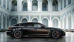 Basándose en la versión Turbo S Executive de 570 CV, la firma de Stuttgart ha desarrollado una edición limitada con un equipamiento exquisito. Se presentará, el próximo mes de noviembre, en el Salón del Automóvil de Los Ángeles.