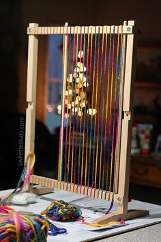 How to Use the Melissa and Doug Weaving Loom