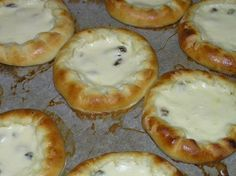 Finnish Recipes, Baking Recipes, Healthy Recipes, Healthy Food, Sweet Bakery, Sweet Pastries, Creme Fraiche, Bagel, Deserts