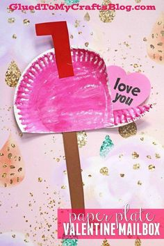 Paper Plate Valentine's Day Mailbox - Kid Craft - Art Project for Children - 5 Minute Crafts day crafts for kids toddlers Paper Plate Valentine's Day Mailbox - Kid Craft Valentine's Day Crafts For Kids, Valentine Crafts For Kids, Daycare Crafts, Valentines Day Activities, Preschool Crafts, Projects For Kids, Fun Crafts, Craft Projects, Party Crafts