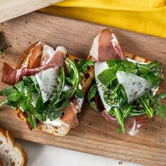 Gluten free With video Stulle with melon and Parma ham Up to 15 minutes uncomplicated With video - Seafood Recipes Parma Ham, Caprese Salad, Seafood Recipes, Prosciutto, Breakfast Recipes, Sandwiches, Gluten Free, Ethnic Recipes, Chicken