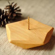 DE木製キャンドルホルダ-針型