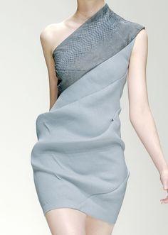 Todd Lynn 2010/11  :: beautifully draped 'diagonal dress'