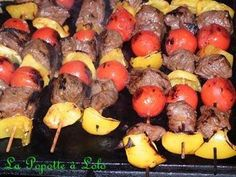 Brochettes de boeuf mariné The best recipe for Marinated Beef Brochettes! To try it is to adopt it! Ingredients: - 1 kg of tender beef for fondue cut into cubes - 2 shal