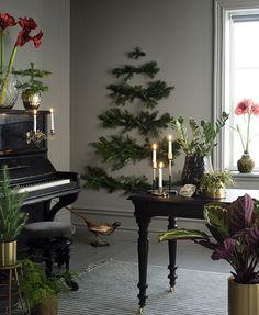 I love Christmas Ikea Christmas, Scandi Christmas, Real Christmas Tree, Christmas Time Is Here, Green Christmas, Winter Christmas, Vintage Christmas, Christmas Ideas, Church Christmas Decorations