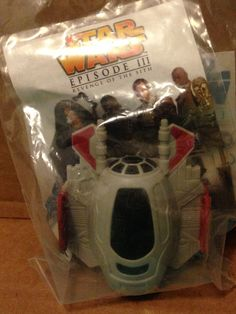 2005 Burger King Kid's Meal Star Wars Episode III ROTS Jedi Starfighter Toy