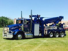 Jim's Towing, West Fargo ND - Kenworth w/ Trebron Holmes 850 conversion unit Dump Trucks, Tow Truck, Cool Trucks, Big Trucks, Heavy Duty Trucks, Heavy Truck, Truck Mechanic, Track Bus, Towing And Recovery