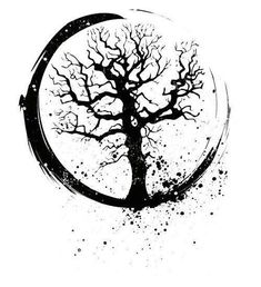 Celtic Tree Of Life- Love how it looks like a crescent moon.