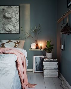 Beautiful bedroom in emerald green & dusty pink