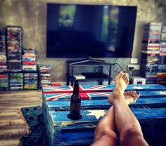 Aussie flag pallet coffee table.. Pallet Flag, Diy Pallet Furniture, Diy Projects, Crafty, Coffee, Table, Kaffee, Cup Of Coffee, Tables