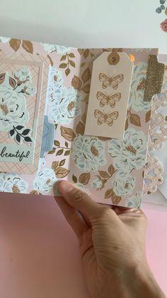 Mini Scrapbook Albums, Scrapbook Journal, Mini Albums Scrap, Diy Scrapbook, Handmade Journals, Handmade Books, Diy Mini Album Tutorial, Bullet Journal Lettering Ideas, Junk Journal