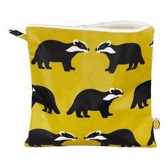 Trousse de toilette - Raton Laveur Anorak Adolescent Enfant- Large choix de Design sur Smallable, le Family Concept Store - Plus de 600 marques.