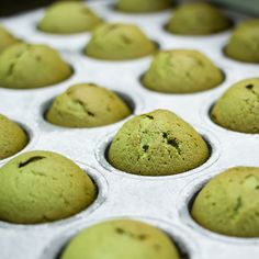 Matcha green tea muffins are perfect for a quick breakfast or an antioxidant-rich snack. Find out how to make them at home with Epic Match's 6 step reci