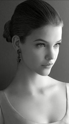 Pretty Women Girl with beautiful Eyes & Faces Most Beautiful Faces, Beautiful Girl Image, Beautiful Eyes, Beautiful Pictures, Face Photography, Photography Women, Girl Face, Woman Face, Barbara Palvin