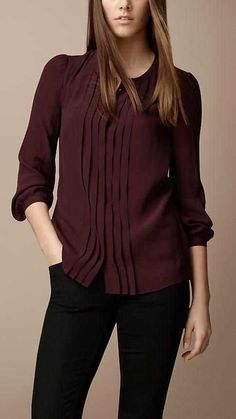Explore all women's clothing from Burberry including dresses, tailoring, casual separates and more in both seasonal and runway designs Formal Tops For Women, Formal Wear Women, Burberry, Cheap Womens Tops, Western Tops, Magazine Mode, Formal Shirts, Plus Size Tops, Ladies Dress Design