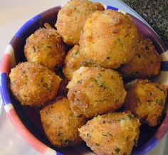 Recipe for Loaded Potato Bites - The recipe I'm sharing with you today is a great way – other than potato pancakes – to use up leftover mashed potatoes. If you've ever been to Arby's and love their Loaded Potato Bites than you are in luck because they were the inspiration for this recipe. And they are pretty spot on too - crispy on the outside, and soft and cheesy on the inside with bits of bacon and scallions. A guilty pleasure for sure, but share them with some fr