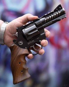 Cool Guns, Awesome Guns, Revolver, Firearms, Hand Guns, Weapons, Pistols, Fun, Knives