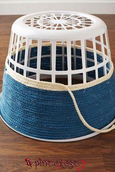 Turn That Ugly AF Laundry Basket Into Pretty Decor In 3 Easy Steps – organization – Home crafts Rope Crafts, Diy Home Crafts, Diy Crafts To Sell, Twine Crafts, Sell Diy, Beach Crafts, Decor Crafts, Diy Makeup Organizer, Diy Para A Casa