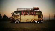 Vyntage VW Bus!  Rust bus