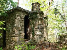 """Witch's Castle"" in Utica IN, where Shanda Sharer spent her last night"
