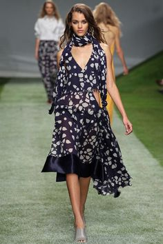 Topshop Unique Spring 2014 RTW - Review - Fashion Week - Runway, Fashion Shows and Collections - Vogue