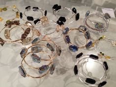 Learn how to make these popular wire bangles http://www.artandsoulbeads.com/store/blog/how-to-wire-bangle-bracelets/