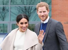 Prince Harry Photos - Prince Harry and Meghan Markle depart from Catalyst Inc, Northern Ireland's next generation science park on March 2018 in Belfast, Nothern Ireland. - Prince Harry And Meghan Markle Visit Northern Ireland Prince Harry Et Meghan, Meghan Markle Prince Harry, Harry And Meghan, Prince Philip, Prince Charles, Michelle Yeoh, Elisabeth Moss, Prinz Harry Meghan Markle, Royal Family News
