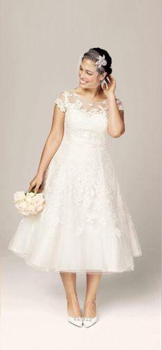 Pas Cher Nouveau Blanc Ivoire Courtes Manches The Longueur Dentelle Vintage Robes De Mariee Big Wedding DressesTea