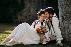 Gabriela și Adrian. Nuntă tradițională în Piatra Neamț Romanian Wedding, Rustic Bohemian Wedding, Wedding Pants, City People, Folk, Traditional, Princess, Couples, Fashion