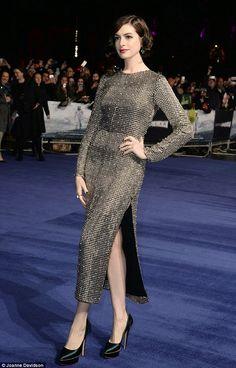 Hily Designs: Anne Hathaway lleva un vestido de Wes Gordon en el estreno londinense de 'interestellar'