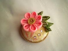 Vintage kimono covered button hair clip, Kanzashi pink flower, Fabric covered button snap clip, Fabric flower brooch, 35 mm button - pinned by pin4etsy.com