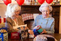 Queen Elizabeth Takes Her Birthday Festivies To Toby Carvery Queen Elizabeth Birthday, Queen Birthday, 90th Birthday, Birthday Celebration, Birthday Parties, Santa Lucia, Jamaica, Toby Carvery, Fairy Pools