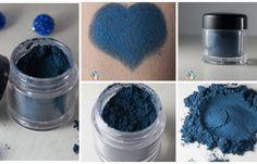 """Dark Blue Sea ist ein wunderschönes dunkles Meerblau mit einem schimmerigen Finish. ~~~~~~~~ Du kaufst bei uns nicht nur einen hochwertigen Lidschatten sondern ein #gutesGewissen in bunten Farben. Denn unsere Lidschatten sind vegan und tierversuchsfrei. Für jedes verkaufte Produkt spenden wir 0,50 EUR an Tierheime und Tierschutzprojekte.  Klick auf den """"Besuchen"""" Button und kaufe dir dein buntes #gutesGewissen :)"""